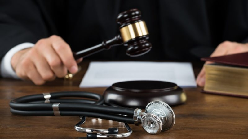 Things To Consider When Hiring A Medical Malpractice Lawyer